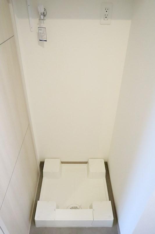 洗濯機置き場は室内にあり、天気を問わず快適にお洗濯できます。