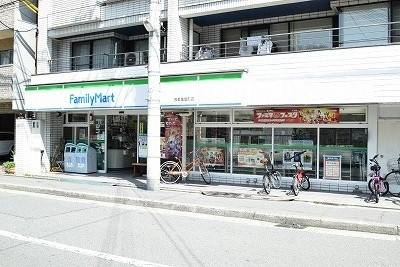 コンビ二:ファミリーマート 長者亀屋町店 201m