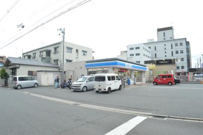 コンビ二:ローソン 西京極北庄境町店 91m