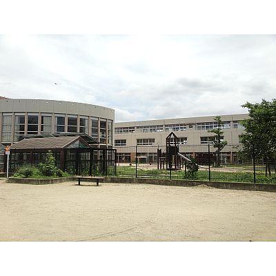 小学校:北九州市立戸畑中央小学校 833m