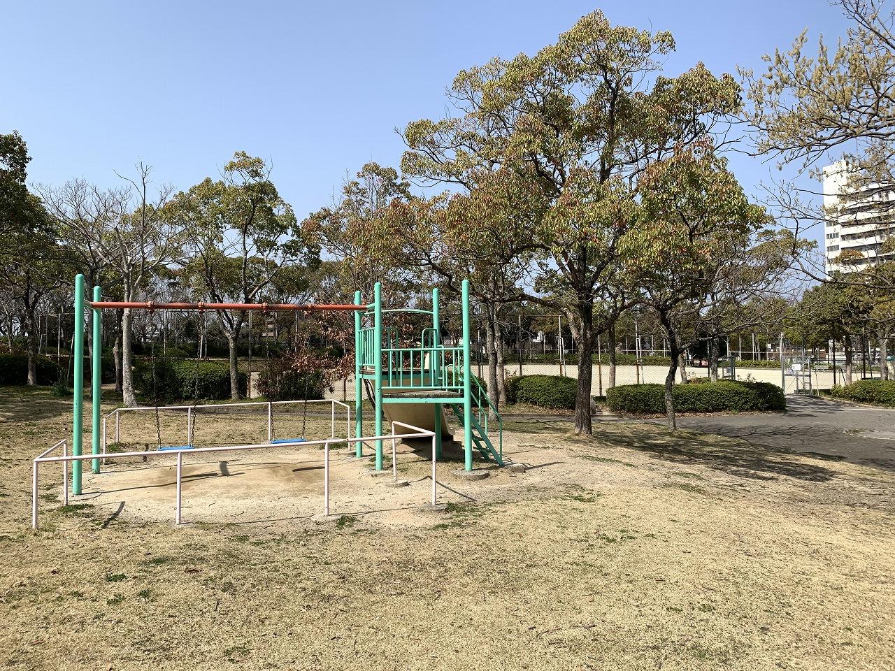 公園:本城東公園 263m