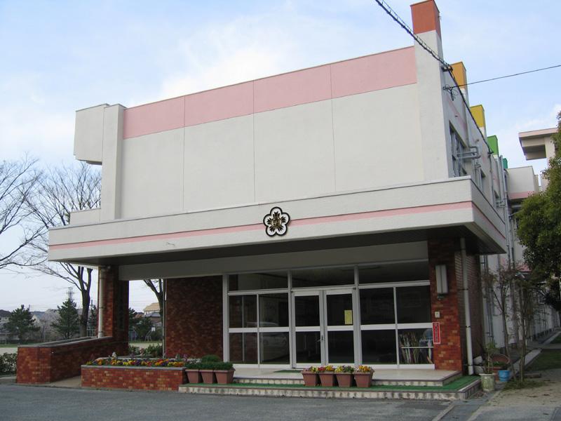 小学校:北九州市立赤坂小学校 153m