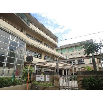 小学校:北九州市立小倉中央小学校 1124m