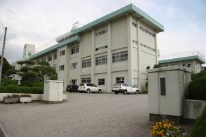 中学校:北九州市立浅川中学校 1124m