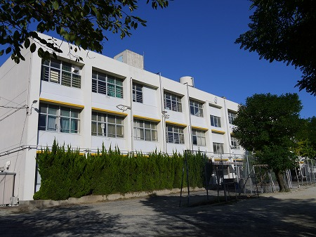 小学校:北九州市立浅川小学校 1131m