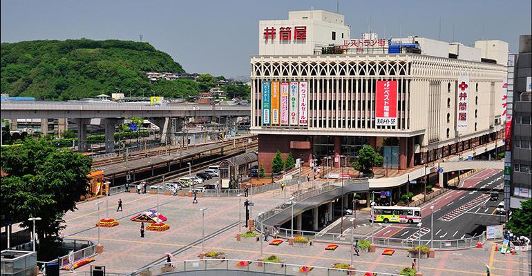 ショッピング施設:井筒屋黒崎店 1058m