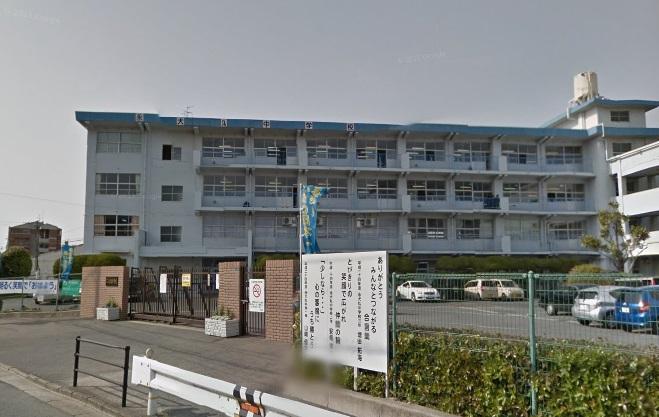 中学校:北九州市立永犬丸中学校 554m
