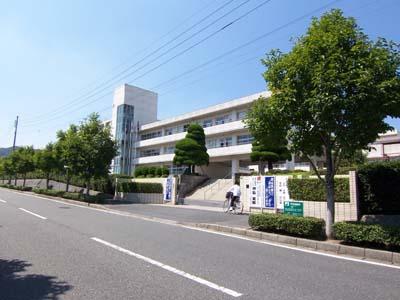 中学校:北九州市立田原中学校 1277m