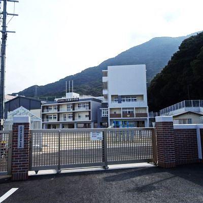 小学校:北九州市立大里柳小学校 659m