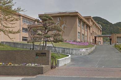 中学校:北九州市立門司中学校 1394m