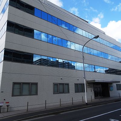 内科:小倉中井病院 871m