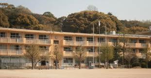 小学校:北九州市立鞘ケ谷小学校 511m