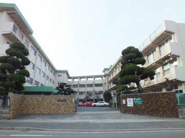 小学校:北九州市立志井小学校 928m