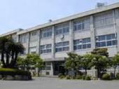 中学校:北九州市立黒崎中学校 1377m
