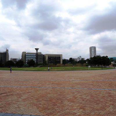 公園:勝山公園 1306m