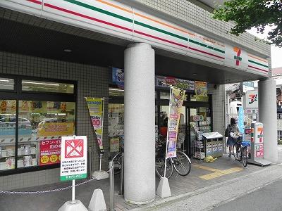 コンビ二:セブンイレブン 京都修学院駅前店 486m