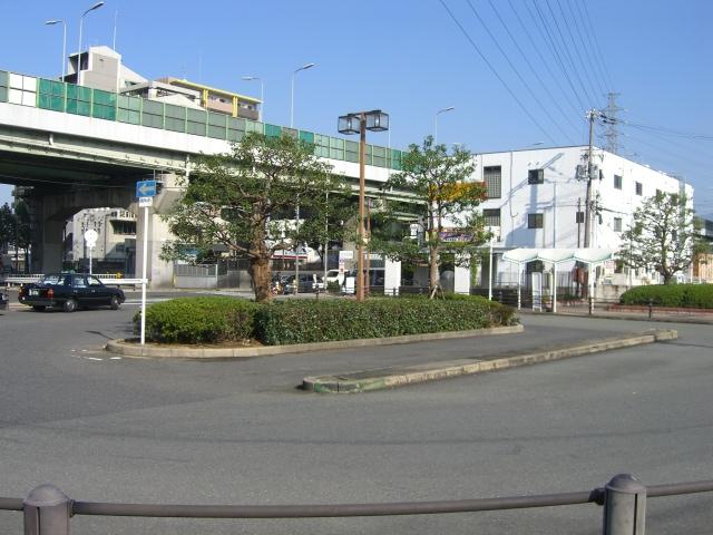公共施設:駅前バス乗り場 50m